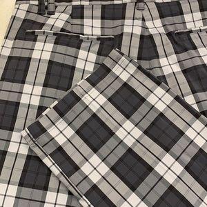 IZod Golf Pants. Excellent Cdn Sz 40 Waist